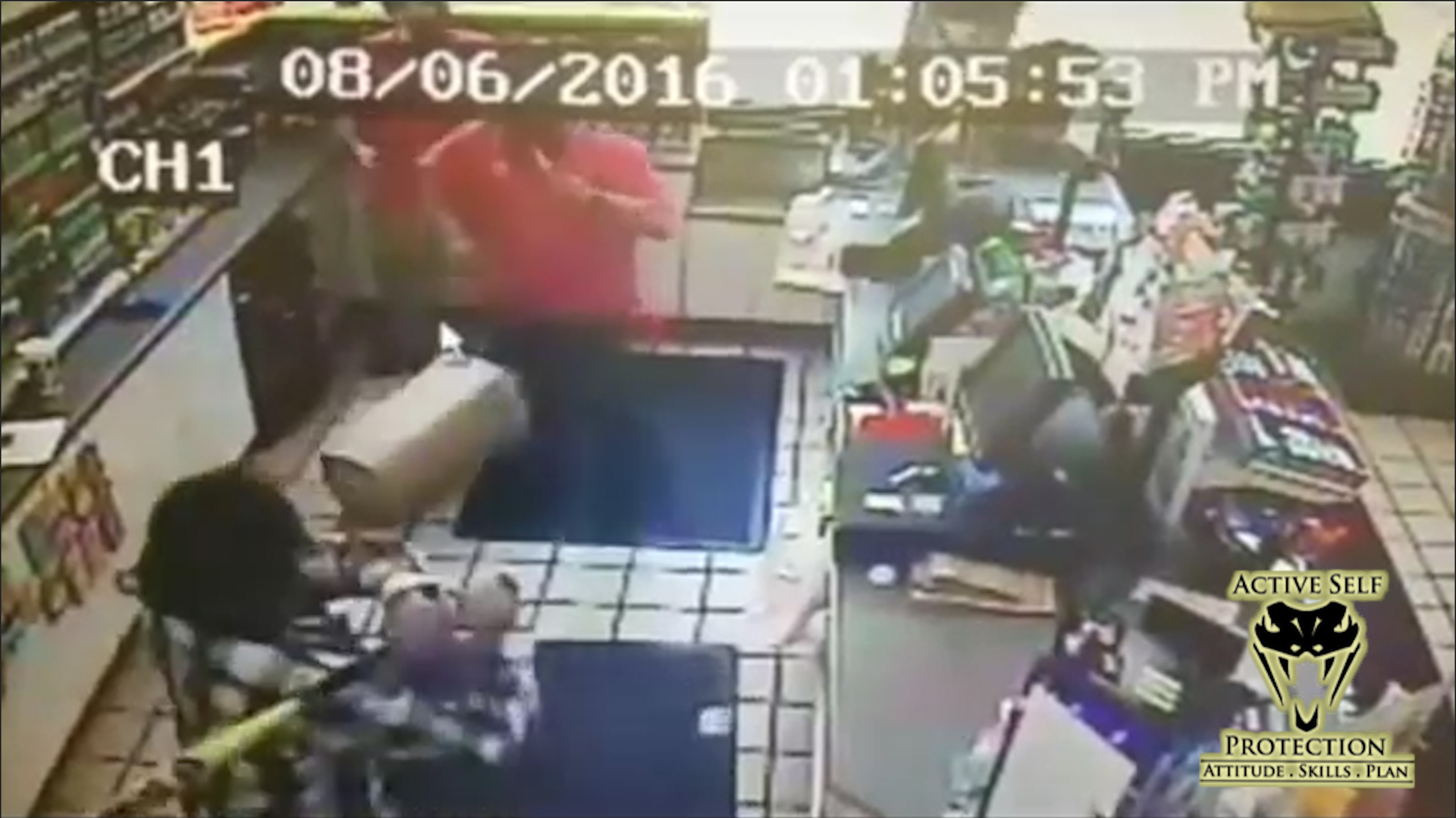Convenience Store Clerks Fight Bat-Wielding Armed Robbers