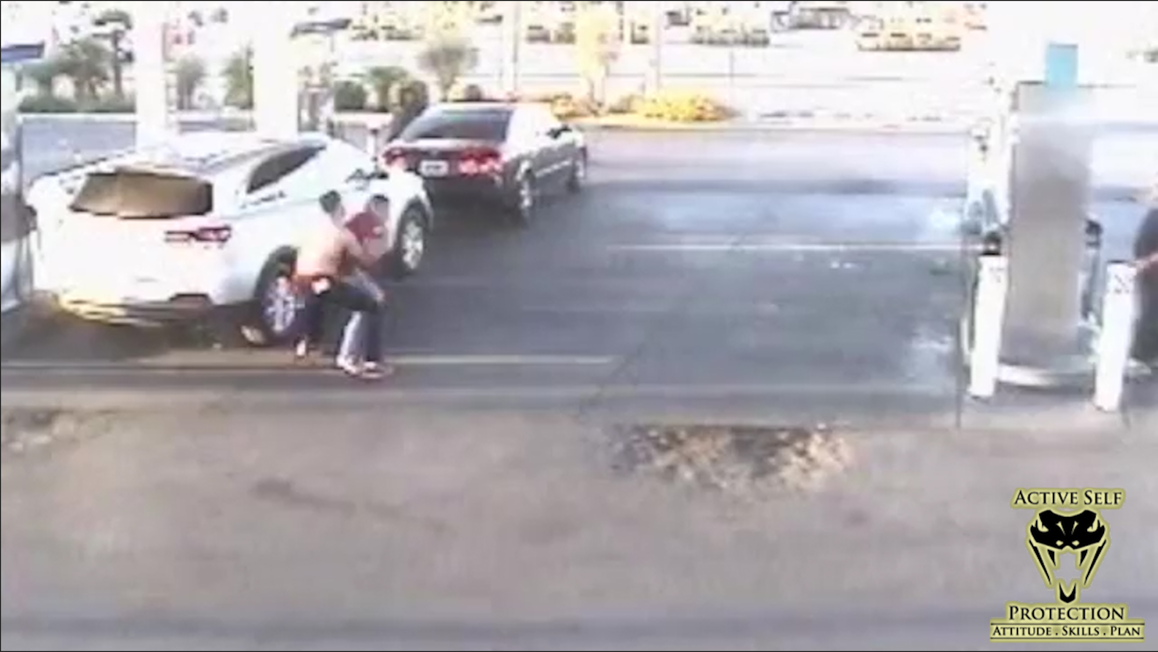 Gas Station Robber Beats His Victim Badly